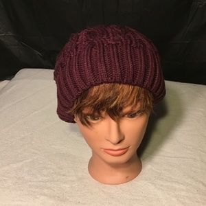 NIB Cable Knit Slouchy Beanie Burgundy, one size
